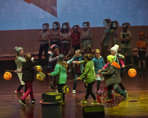"""Die Aufführung zu """"Kinder brauchen Musik"""" Foto: Dominique Leppin"""